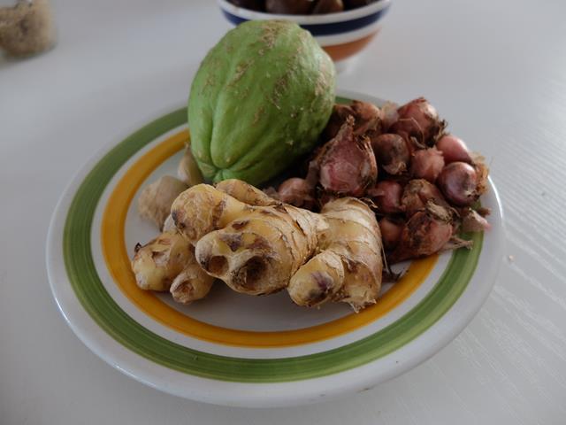 Sechium edule, un frutto per le future mamme: Vellutata di  Sciusciu' eCastagne